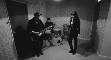 Daughter presenta su nuevo video 'No Care'