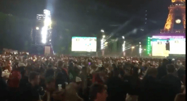 Explosiones provocan pánico en el Fan Fest de la Torre Eieffel