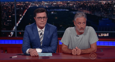 Jon Stewart se une a Stephen Colbert para burlarse de Donald Trump