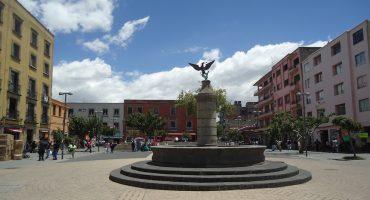 Vagando con Sopitas.com presenta: La plaza del aguilita