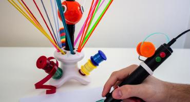 La nueva pluma 3-D que utiliza bolsas de basura y PET como materia prima
