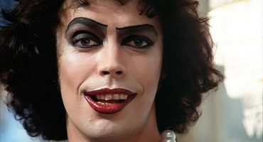Tim Curry hace su cameo en el trailer de The Rocky Horror Picture Show