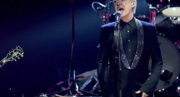 David Byrne estrena canción y aquí puedes escucharla