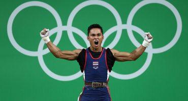 Gana una medalla olímpica, pierde a su abuela en el festejo