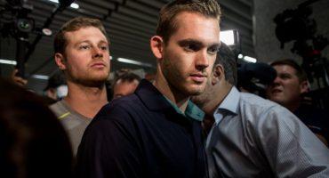 Autoridades de Brasil detuvieron a dos compañeros de Ryan Lochte