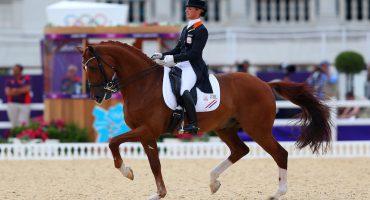 Renunció a competir en prueba de equitación para salvar a su caballo