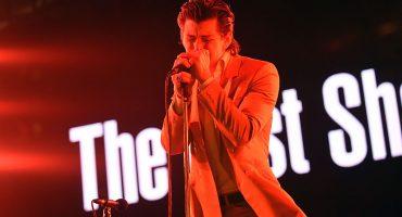 Alex Turner invita a su papá a tocar en el escenario con TLSP