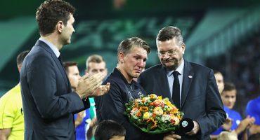 Bastian Schweinsteiger hasta las lágrimas en su despedida de la selección
