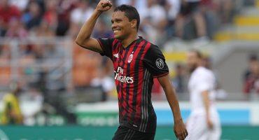 Carlos Bacca abre la temporada con tres goles y triunfo del AC Milan