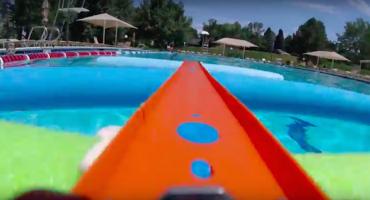Justo en la infancia: el viaje de un carrito de Hot Wheels grabado con GoPro