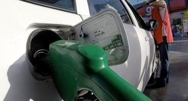 En México la gasolina es más barata... pero es caro llenar tanque: Bloomberg
