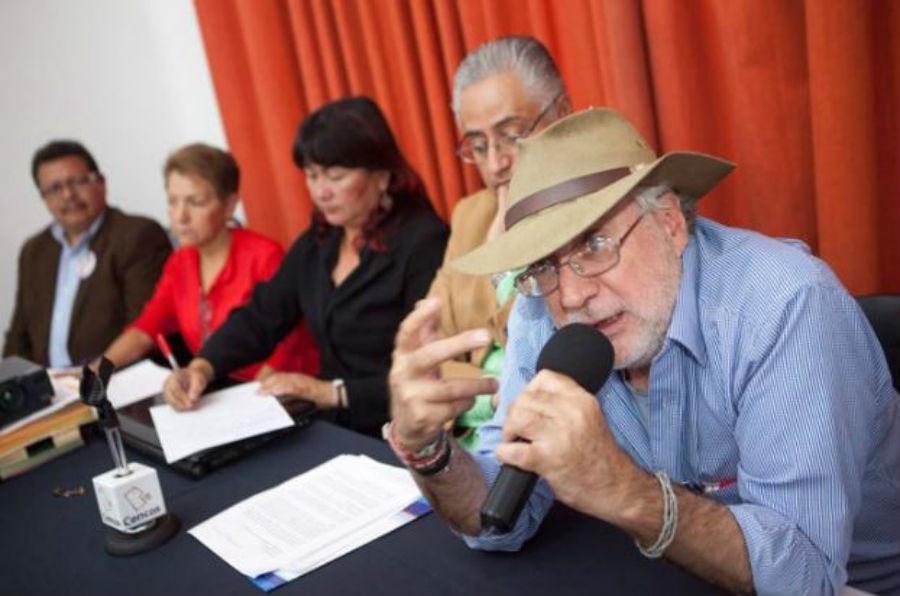 Javier Sicilia denuncia que fue golpeado por policías antimotines