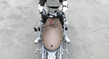 ¡Tienen que ver esta increíble réplica de una Speeder Bike de Star Wars!