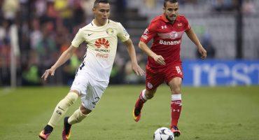 Paul Aguilar es baja de la Selección de México por una lesión