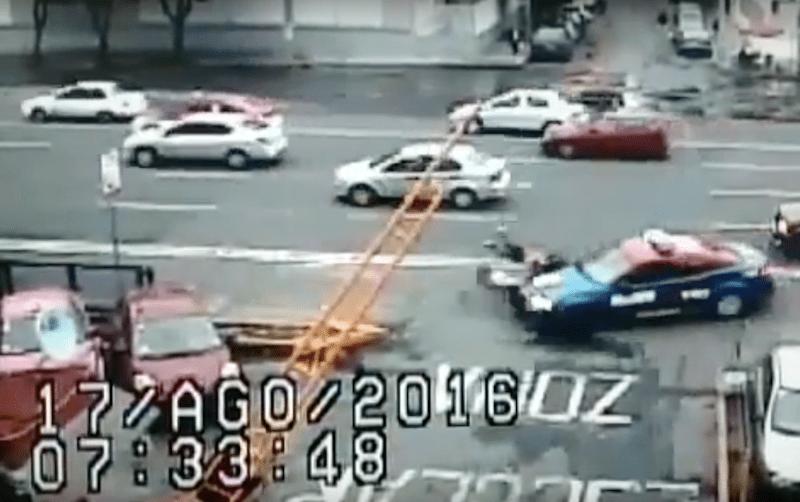 Patrulla atropella a dos mujeres en Tlatelolco... en el Día del Peatón