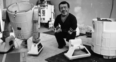 Muere Kenny Baker, actor que interpretó a R2-D2
