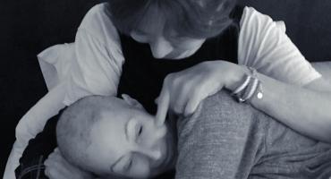 Shannen Doherty y la conmovedora foto donde es cuidada por su mamá