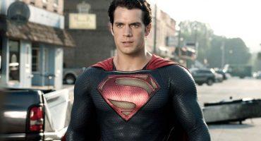 ¡Henry Cavill nos presume el traje negro de Superman!