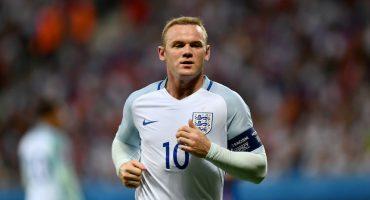 Wayne Rooney se cuela a una boda para celebrar la victoria contra Escocia