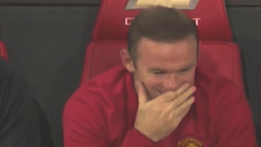 ¿Qué quiso hacer Depay? Rooney se burló del intento de chilena de su compañero