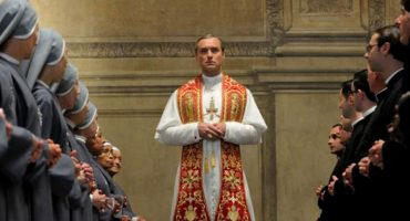 Jude Law se convierte en Papa en el trailer de 'The Young Pope' de Paolo Sorrentino