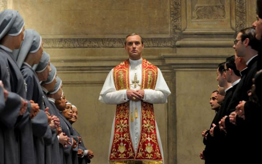 Jude Law se convierte en Papa en el trailer de 'The Young Pope' de Paolo Sorrentino