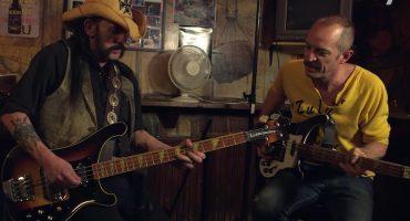 Ve a Lemmy Kilmister improvisar con Matt Sweeney en esta entrevista