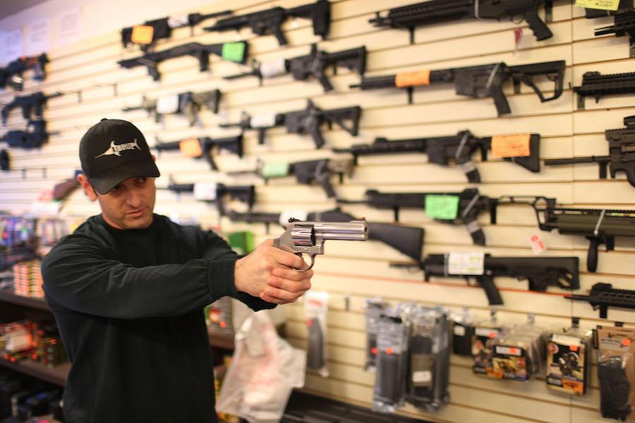 Tras atentado en Christchurch, Nueva Zelanda prohíbe la venta de armas de asalto