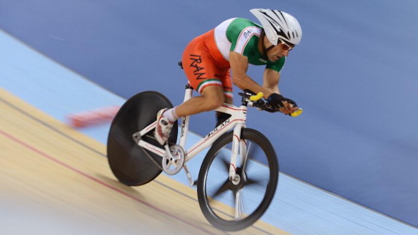 Ciclista iraní muere después de fuerte caída en los Juegos Paralímpicos
