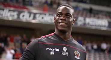 Mario Balotelli anotó su primer gol con el Nice