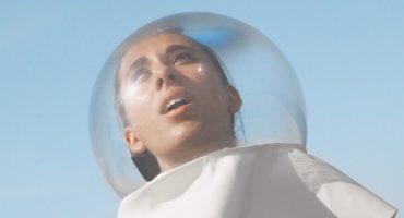 Desafía a la gravedad con el nuevo video de Flume para 'Say It'