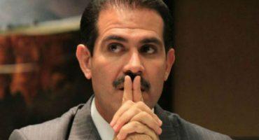 PGR va por Padrés; solicita a un juez orden de aprehensión