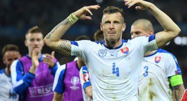Defensa de Eslovaquia insinuó que el juego contra Inglaterra estuvo arreglado