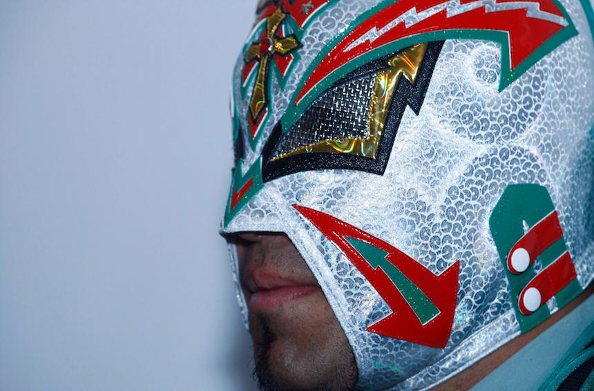 Luchador con su máscara