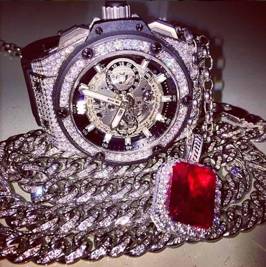Reloj costoso en Dubai