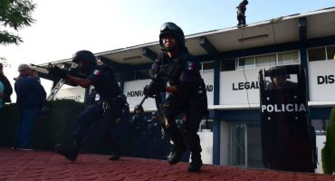 Normalistas liberan al director de Seguridad Pública de Chilchota