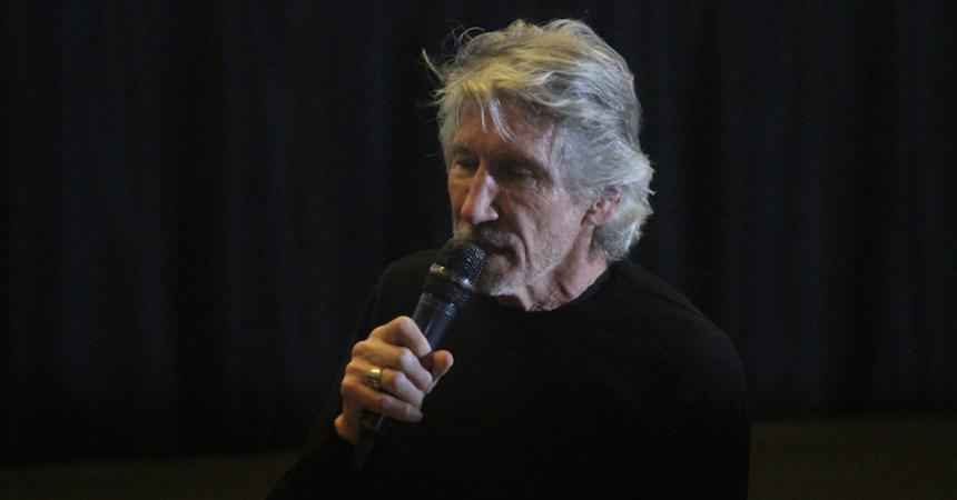 Roger Waters presentó el documental The Occupation of the American Mind en la Cineteca Nacional