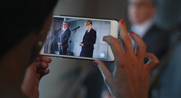 Así es como el gobierno puede saber todo lo que haces en tu smartphone