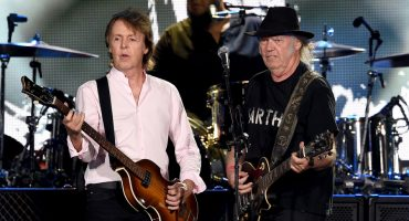 Paul McCartney y Neil Young unen fuerzas en el segundo dia de Desert Trip