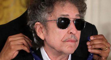 Bob Dylan rompe el silencio sobre el Nobel: irá a la ceremonia... si puede