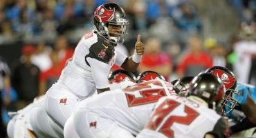 De último minuto Buccaneers triunfa sobre Panthers en el cierre del Monday Night Football