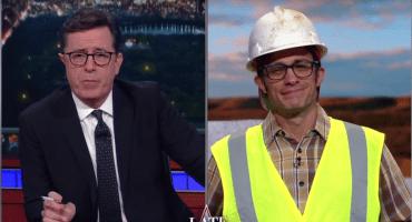 Gael García apoya la construcción del muro con Stephen Colbert