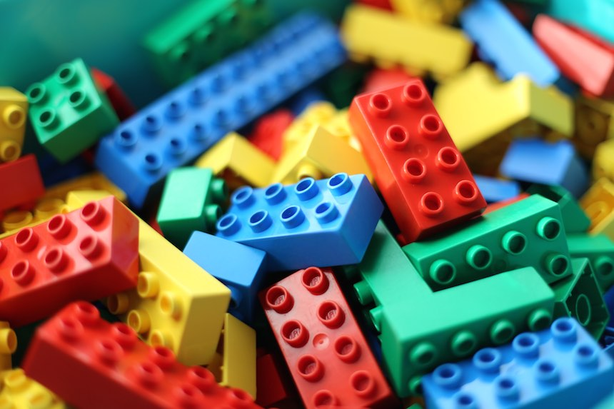 Nerdgasmo: Universidad de Cambridge busca profesor especialista en LEGO