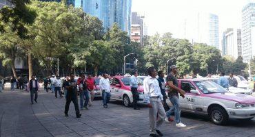 Taxistas acusan a Uber de la baja del 40% de sus ingresos