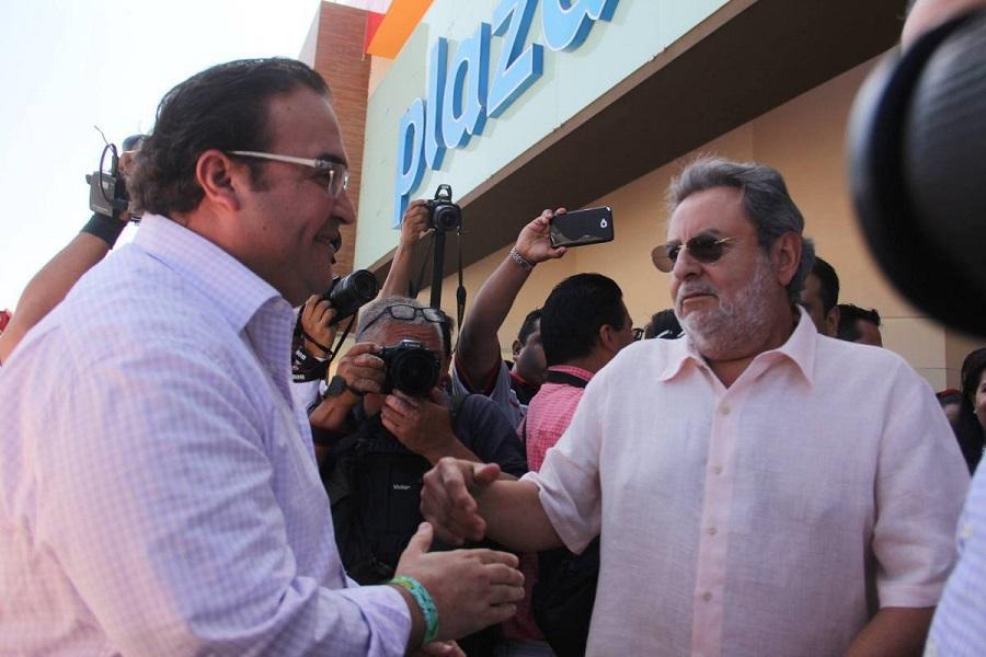 Suegro de Javier Duarte se va de Veracruz...