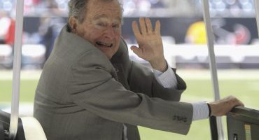 Y van seis... mujer acusa a George H.W Bush de haberla manoseado cuando tenía 16 años