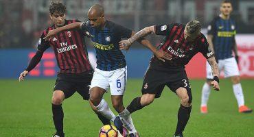 ¡Los últimos minutos de vida al Inter le robaron la gloria al Milan en el Derbi della Madonnina!