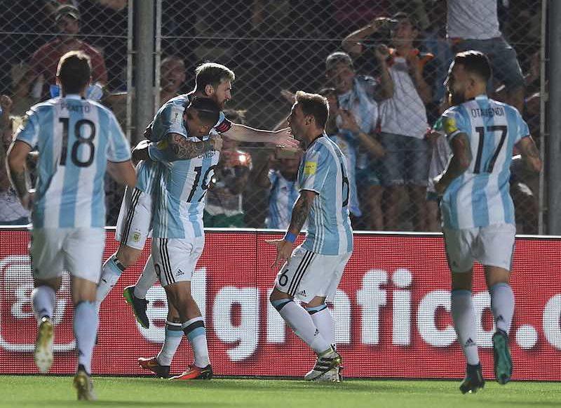 Messi celebra con Argentina