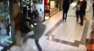 Héroe sin capa: abuelito detiene a un ladrón y queda noqueado en el proceso
