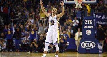 Stephen Curry rompe récord de más triples en un partido